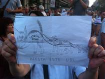 Manifestant anti-USL la Piata Universitatii
