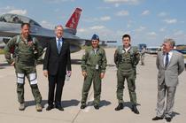 Corneliu Dobritoiu si ambasadorul SUA, Mark Gitenstein, la Campia Turzii