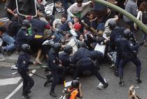 Ciocniri intre fortele de ordine si manifestanti, la Madrid