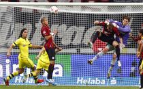 Borussia, tinuta in sah de Eintracht Frankfurt