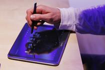 Samsung Galaxy Note 10.1 si stylus-ul S Pen
