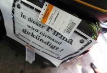 """Bagajul unui insotitor de bord Lufthansa: """"In aceasta companie nimeni nu va fi concediat, sclavii sunt doar de vanzare"""""""