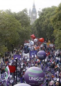 Proteste anti-austeritate in Londra