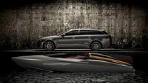 Conceptul barcii de viteza Jaguar alaturi de XF Sportbreak