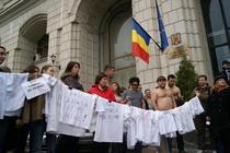 Protestul beneficiarilor la Ministerul de Finante