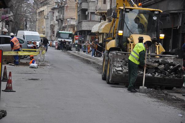 Strada perfecta distrusa pentru reasfaltare (3)