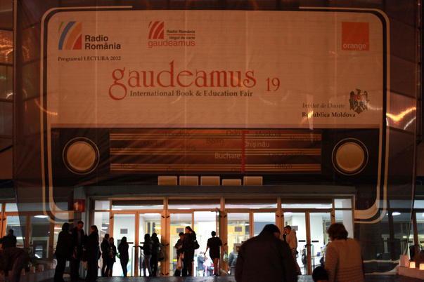 """Targul de carte """"Gaudeamus"""" 2012"""