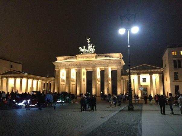 Brandenburger Tor bei nacht !