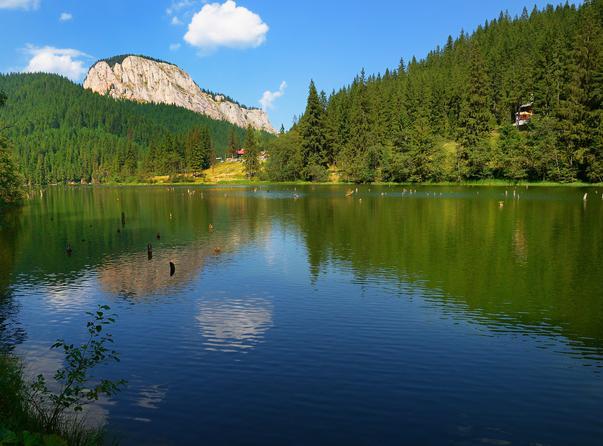 Lacu Rosu in august
