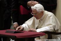 Papa Benedict XVI, primul mesaj pe Twitter