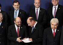 Basescu ii da documentul lui Schulz