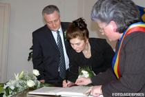 Ioan si Amalia Cindrea, la cununia civila (2008)
