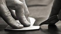Crockett & Jones este un producator britanic de pantofi cu o istorie de 134 de ani