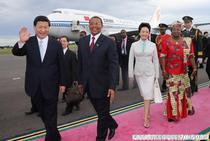 In Dar Es Saalam, cu cuplul prezidential tanzanian