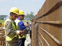 Muncitori chinezi la o autostrada in Polonia