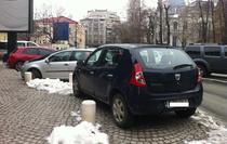 Masini parcate pe trotuar_C.A. Rosetti_4