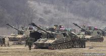 Trupe sud-coreene, asteptand dusmanul (langa Panmunjom)