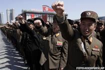 Ofiteri nord-coreeni, gata de atac (Phenian, 29 martie)