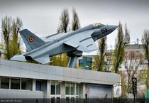 """IAR 93 """"Vultur"""" in fata INCAS, Bucuresti"""