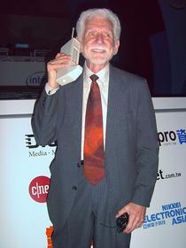 Martin Cooper si Motorola DynaTAC