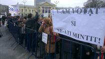 Protest Oltchim si Arpechim in Piata Victoriei