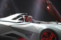 Lamborghini Egoista Concept cu Stephan Winkelmann