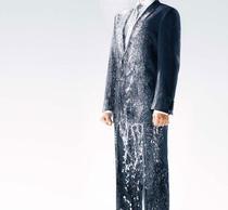 Shower Clean Suit promite o intretinere extrem de simpla datorita amestecului de materiale din care este realizata tesatura