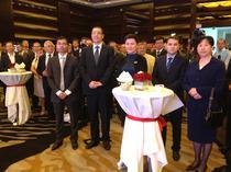 Premierul Ponta alaturi de oficialii Huawei Romania