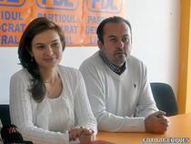Alin Popoviciu alaturi de colega sa de partid Valeria Schelean