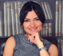 Larisa Petrini