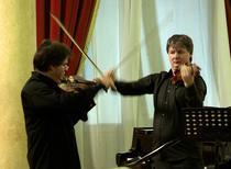 Duelul viorilor la Brasov: foto Virgil Oprina