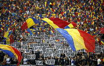 Suporteri romani in tribunele Arenei Nationale din Bucuresti, la meciul Romania - Ungaria