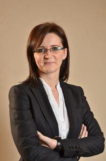 Larisa Popoviciu, Senior Associate