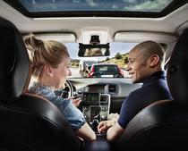 Mai multe companii lucreaza la masinile autonome