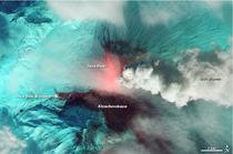 Eruptia vulcanului Kliuchevskoi, in spectru infrarosu