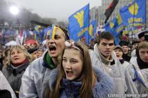 Zeci de mii de ucraineni au protestat duminica
