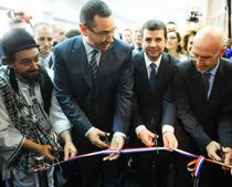 Premierul Ponta si ministrul Agriculturii, Daniel Constantin (cei doi din centru)