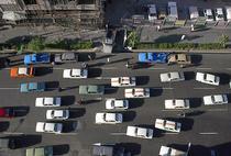 Vechi masini Paykan in Teheran