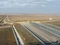 Autostrada care se termina in camp: Lugoj-Deva la capatul de la Sanovita