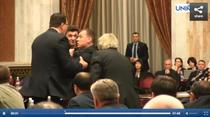 Imbranceli in Parlamentul de la Chisinau