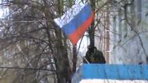 Steagul Rusiei, arborat pe cladirea politiei din Slaviansk