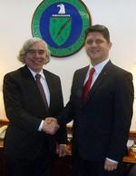 Ernest Moniz si Titus Corlatean, la Washington