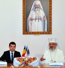 Ministrul Daniel Constantin si Patriarhul Daniel
