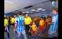 Lionel Messi il sfideaza pe un fan