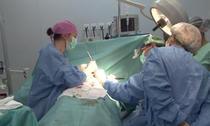 Operatie de dubla mastectomie cu reconstructie imediata