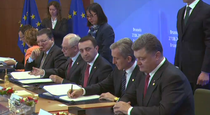 Iurie Leanca si liderii europeni semneaza acordul de asociere