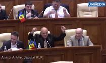 Simona Halep, incurajata in Parlamentul de la Chisinau