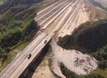 Viaductul si imensul debleu de la Aciliu (iunie 2014)