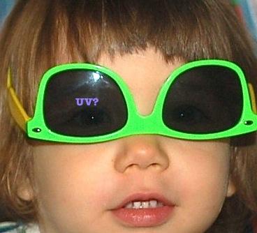 https://media.hotnews.ro/media_server1/image-2014-07-22-17725585-0-ochelarii-fara-protectie-garantata-sunt-doar-moft.jpg