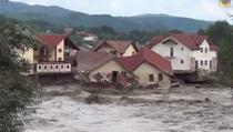 Case luate de ape